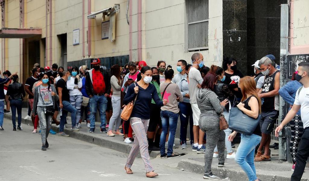 Suma Cuba tercer día con récord de casos; empieza a exigir PCR a viajeros