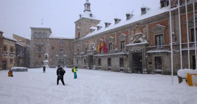 Aeropuerto de Madrid reactiva vuelos con América luego de la nevada histórica