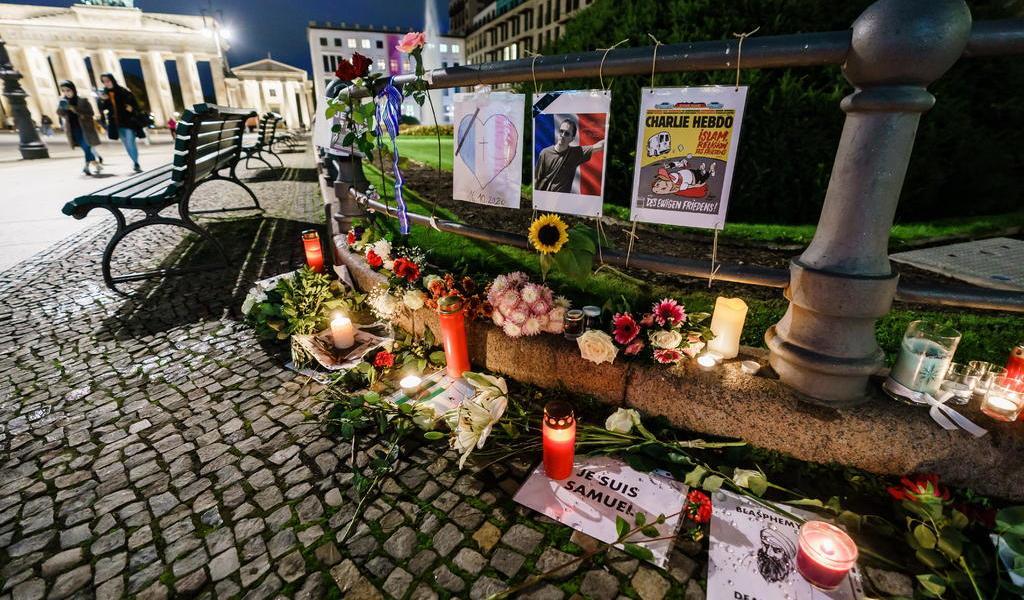 Arresta Francia a 7 personas en caso de maestro decapitado