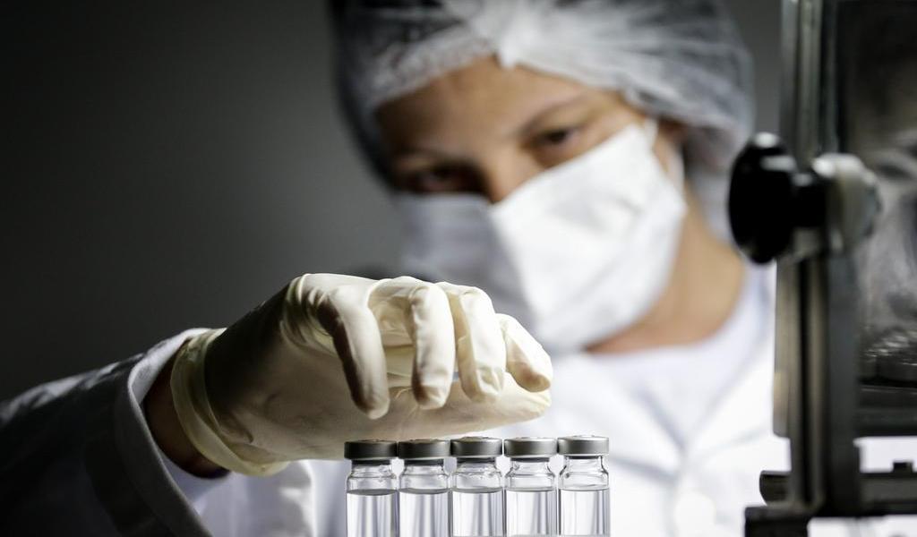 Autoriza Brasil el uso por emergencia de vacunas Sinovac y AstraZeneca