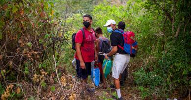 Caravana de migrantes hondureños se disuelve en Guatemala