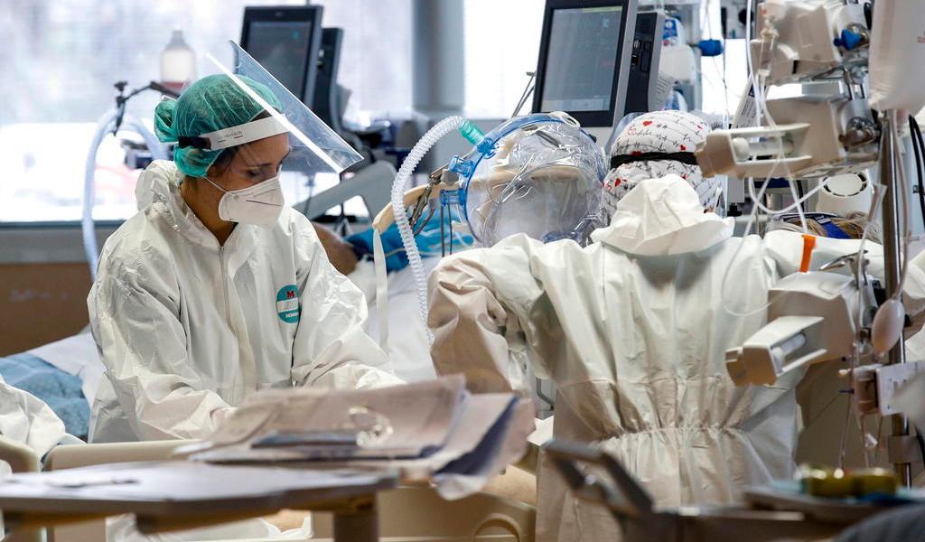 Suma Italia 14,472 nuevos contagios en las últimas 24 horas