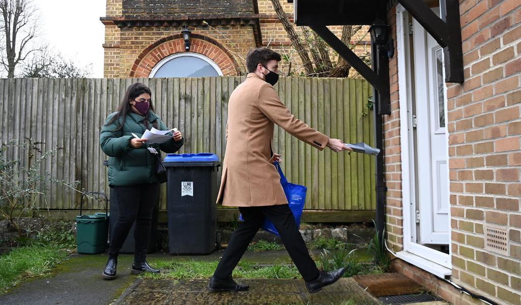 Realiza Reino Unido pruebas de COVID-19 casa por casa