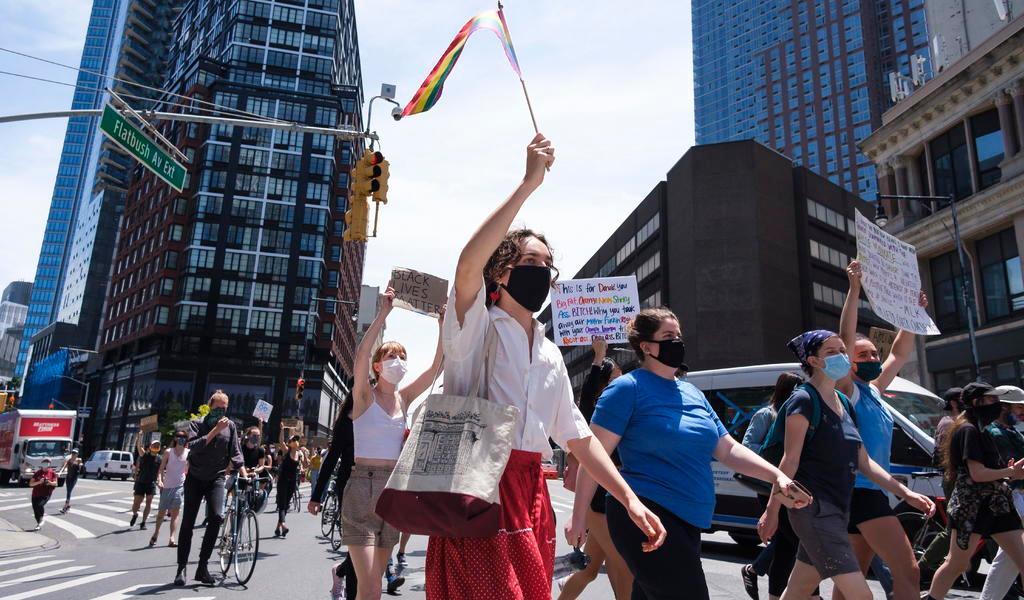 Nueva York deroga ley que criminalizaba a mujeres trans