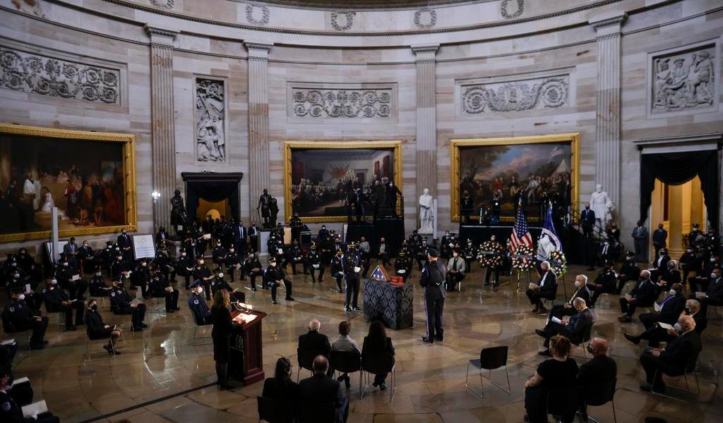 Homenajean a policía que murió defendiendo al Capitolio