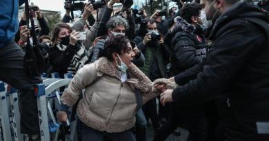 Preocupa a EUA detención en protestas de estudiantes en Estambul