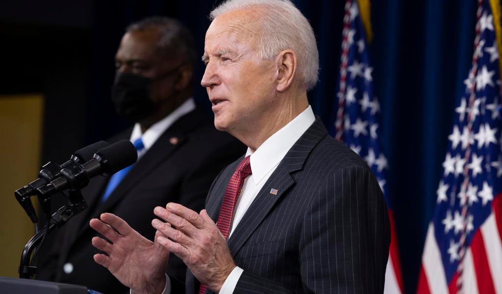 Joe Biden dice que 'la democracia es frágil' tras absolución de Trump en juicio