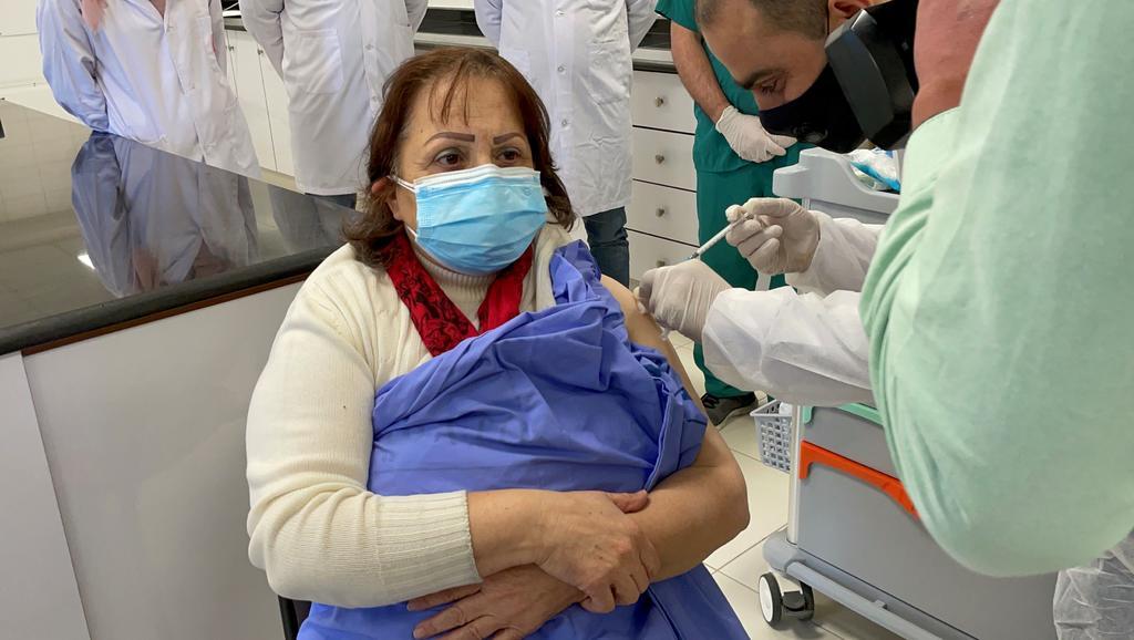 Impide Israel envío de vacunas contra COVID a Gaza