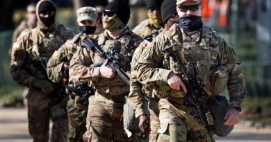 Militares de EUA se niegan a vacunarse contra COVID-19