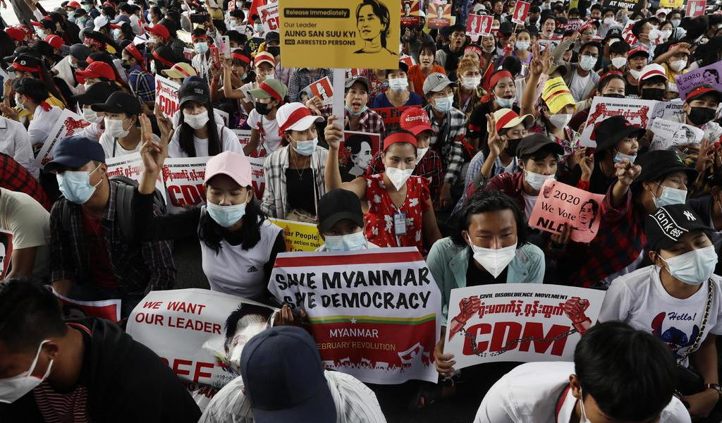 ONG's piden que Malasia pare deportación de inmigrantes de Myanmar tras golpe de Estado