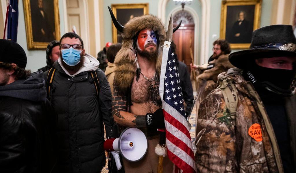 Alerta Policía de plan de milicia para irrumpir en el Capitolio de EUA