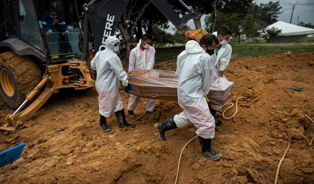 Brasil bate récord de muertes por COVID-19 con mil 910 en las últimas 24 horas