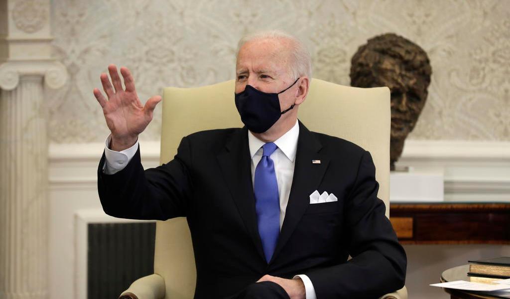 Planea Biden convertir centros de detención en puntos para procesar migrantes