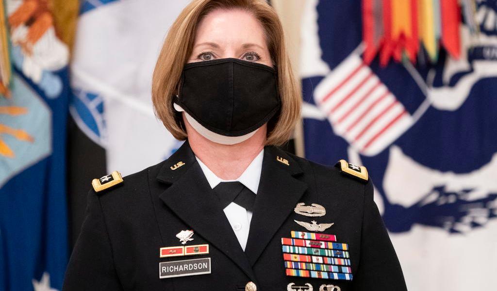 Nomina Biden a primera mujer para dirigir el Comando Sur