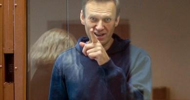 Navalni llega a prisión donde cumplirá condena