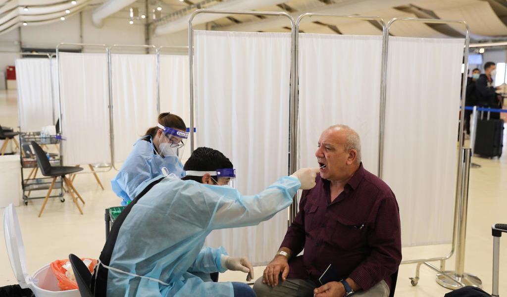 Asegura estudio que COVID-19 también puede infectar células de la boca