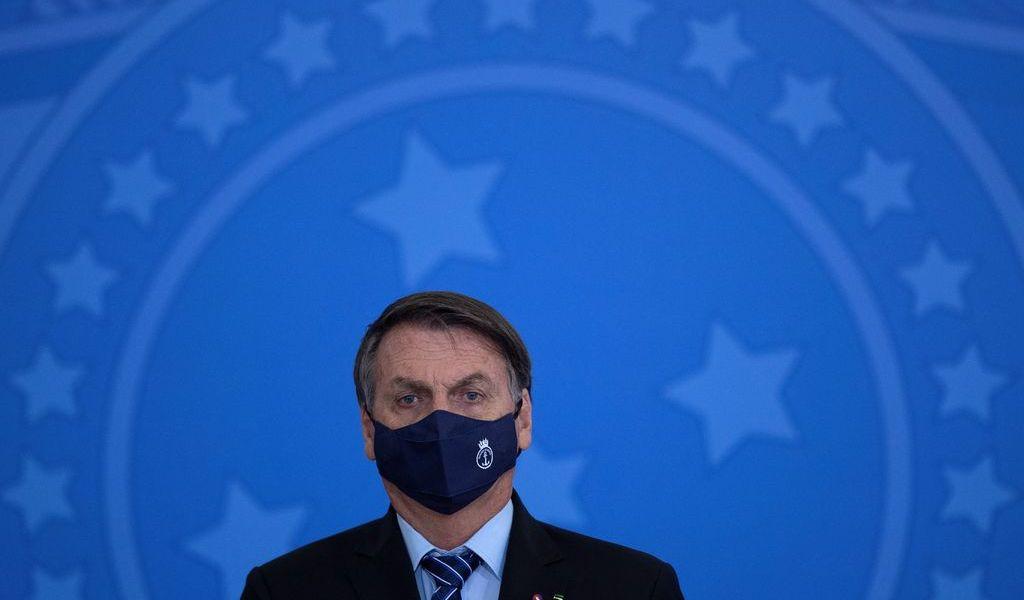 Pierde Bolsonaro a dos secretarios