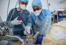 Caen hospitalizaciones por COVID-19 entre ancianos en EUA