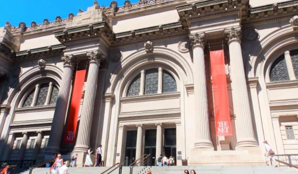 Policía evacúa el Met de Nueva York por hallazgo de paquete sospechoso