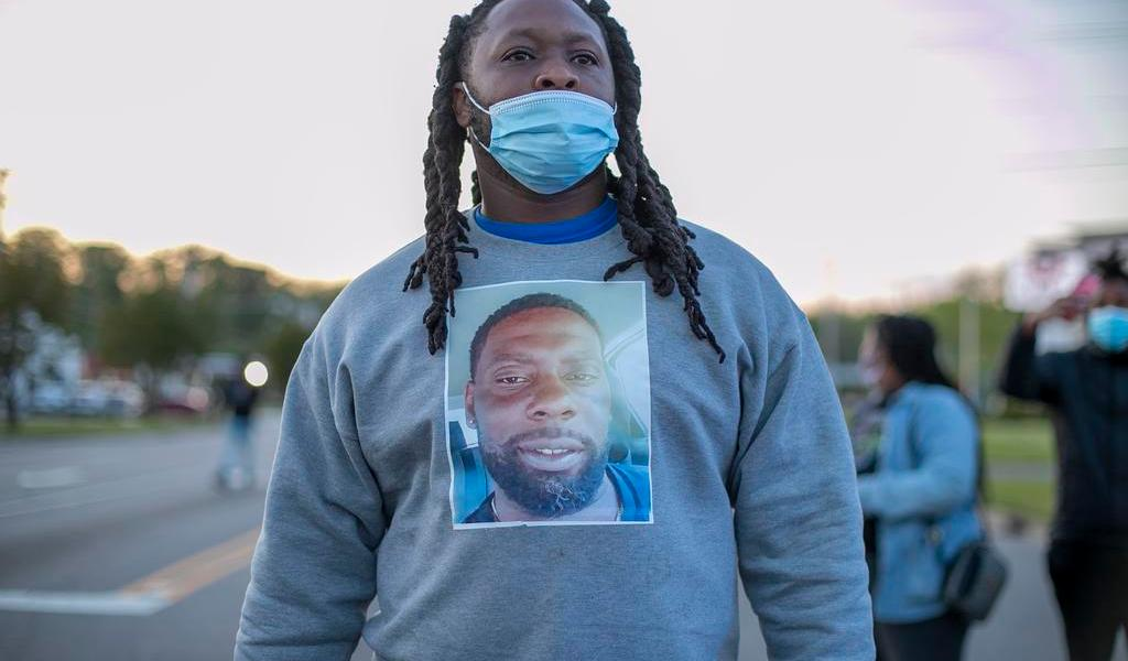 Denuncian asesinato de afroamericano por policías en Carolina del Norte