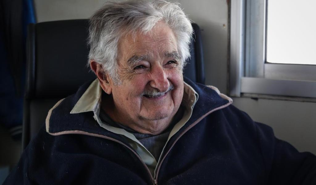 Dan de alta en Uruguay a José Mujica tras endoscopia
