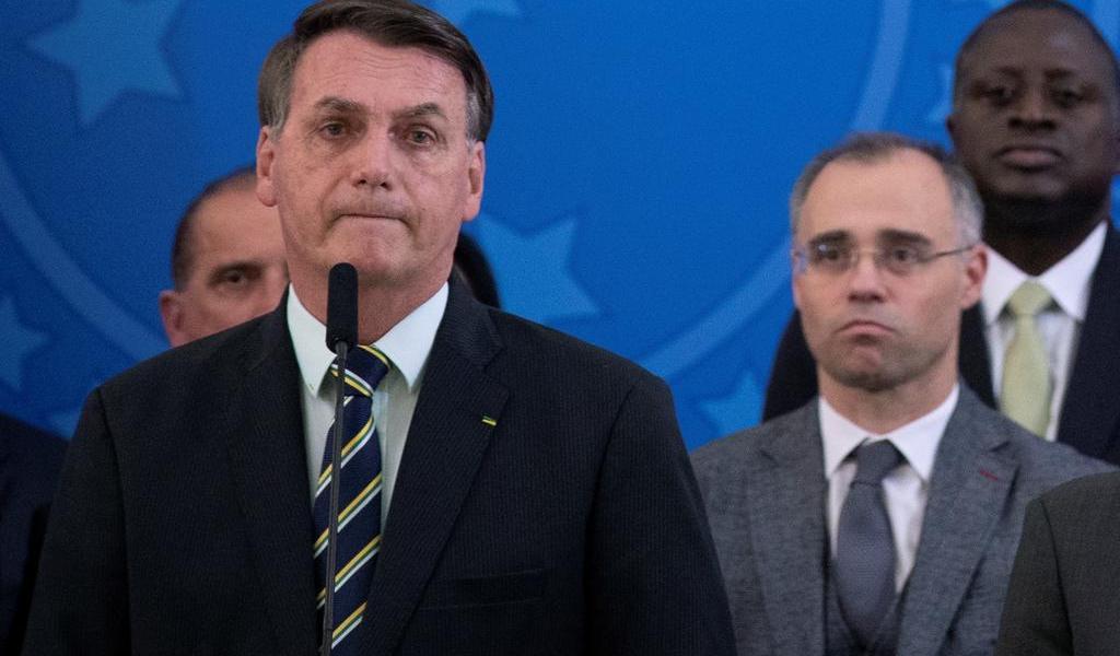 Exministro de Salud confirma presiones de Bolsonaro por cloroquina