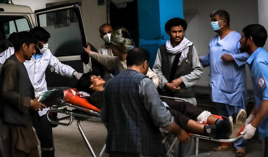 Bomba mata a 25 personas cerca de escuela en capital de Afganistán