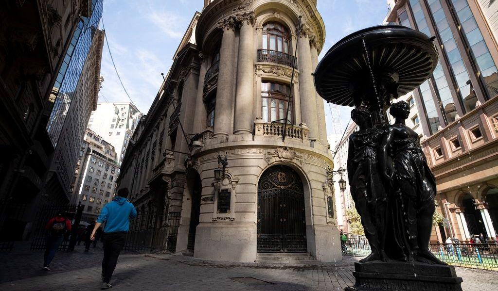 Rechazan impuesto a superricos en Chile