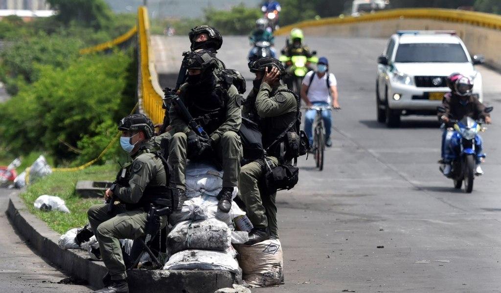 Anuncian reforma policial en Colombia; oposición escéptica