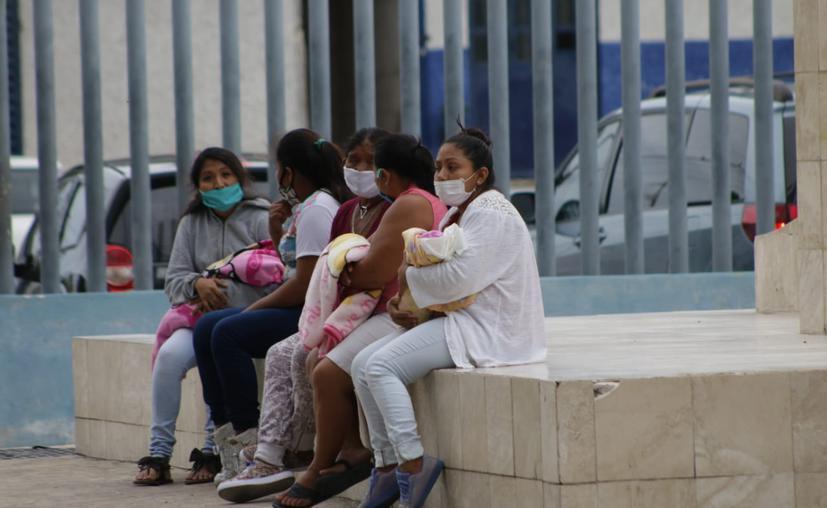 "Semáforo epidemiológico de Quintana Roo se mantiene ""a un paso del amarillo"""