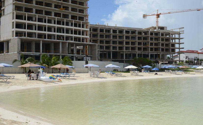 Cancún: Decretan libre acceso a las playas de Quintana Roo