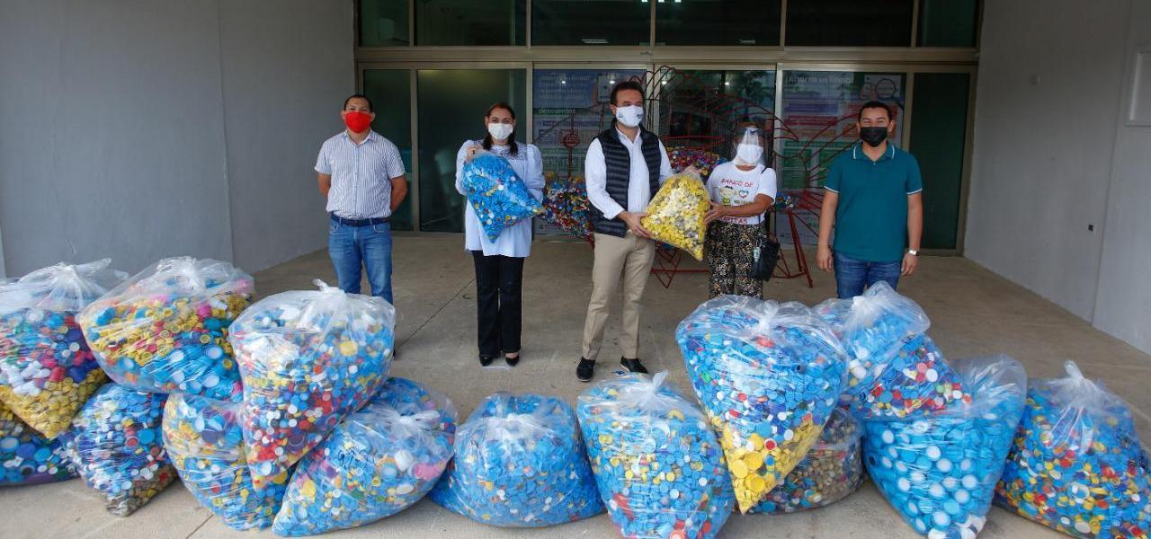 Refrenda Pedro Joaquín su compromiso con niñas y niños que luchan contra el cáncer infantil en Cozumel