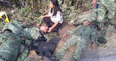 Volcadura de camión militar deja 7 muertos y 25 heridos en Oaxaca