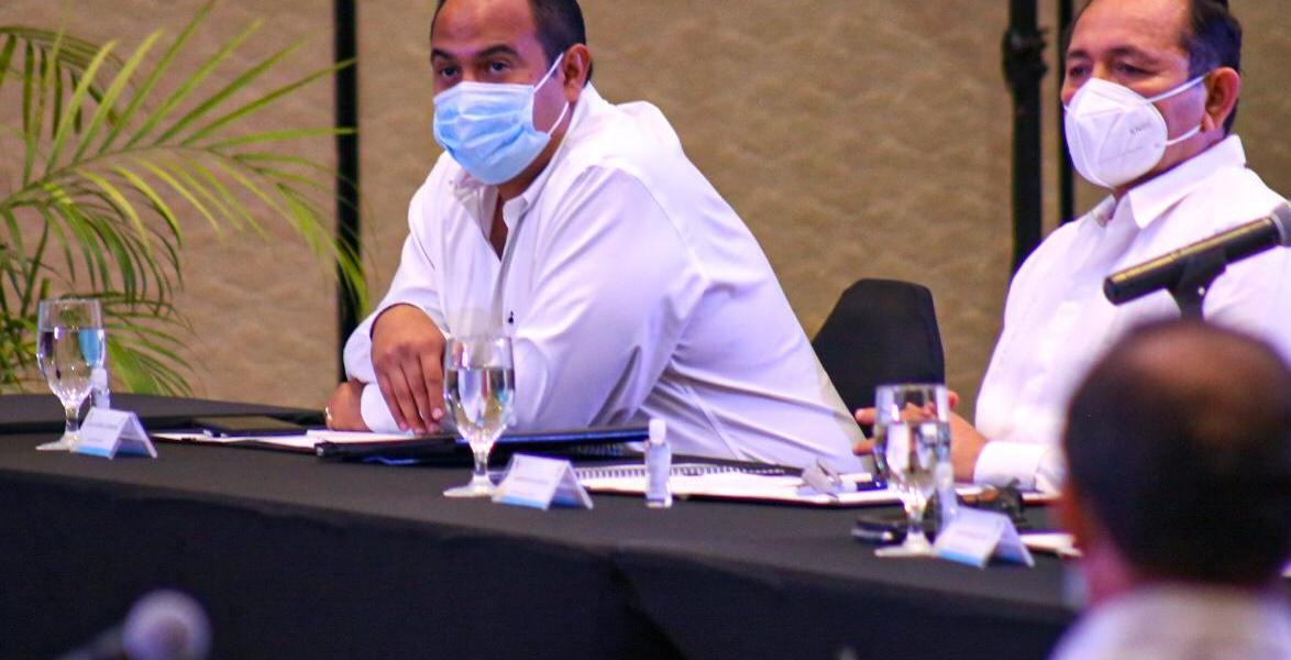 PARTICIPA EL PRESIDENTE MUNICIPAL DE ISLA MUJERES, JUAN CARRILLO, EN LA FIRMA DEL PACTO DE REACTIVACIÓN ECONÓMICA RESPONSABLE