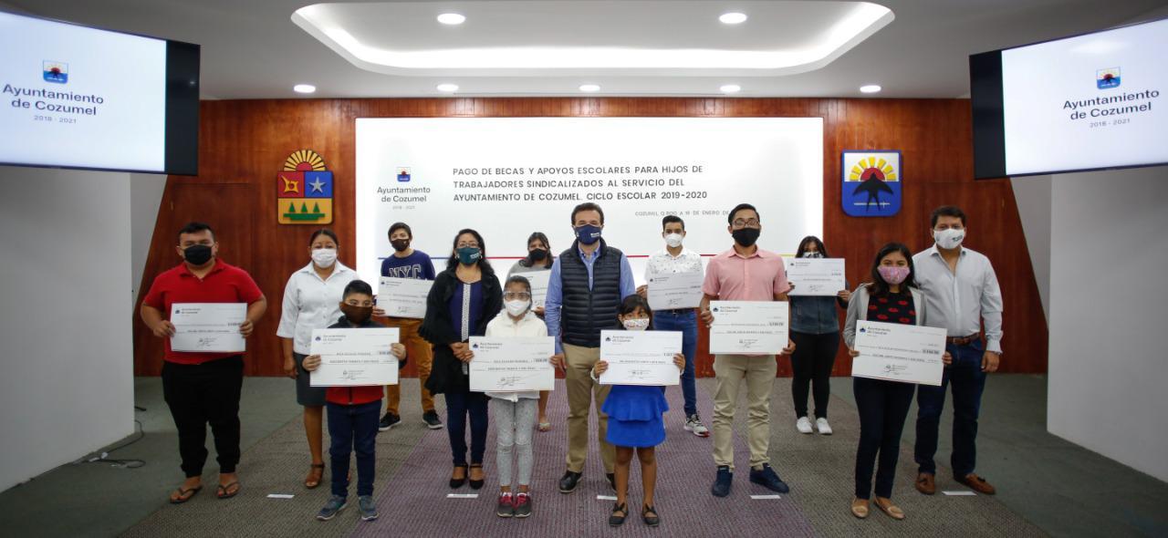 Impulsa Gobierno de Pedro Joaquín acciones en materia educativa para evitar la deserción escolar en Cozumel