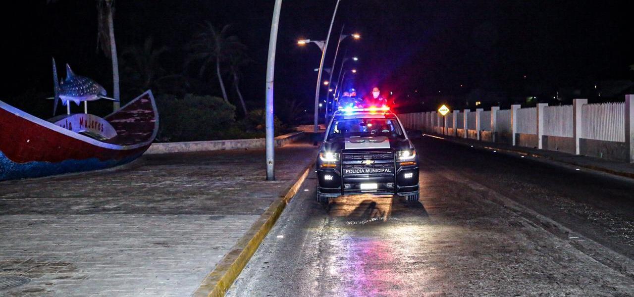 CONTINÚA POLICÍA MUNICIPAL CON RECORRIDOS DE VIGILANCIA EN TODO EL MUNICIPIO DE ISLA MUJERES