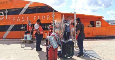 Arriba tercer grupo de repatriados mexicanos a Cozumel