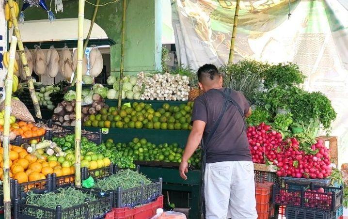 Comerciantes de mercados en Cancún piden apoyar el consumo local