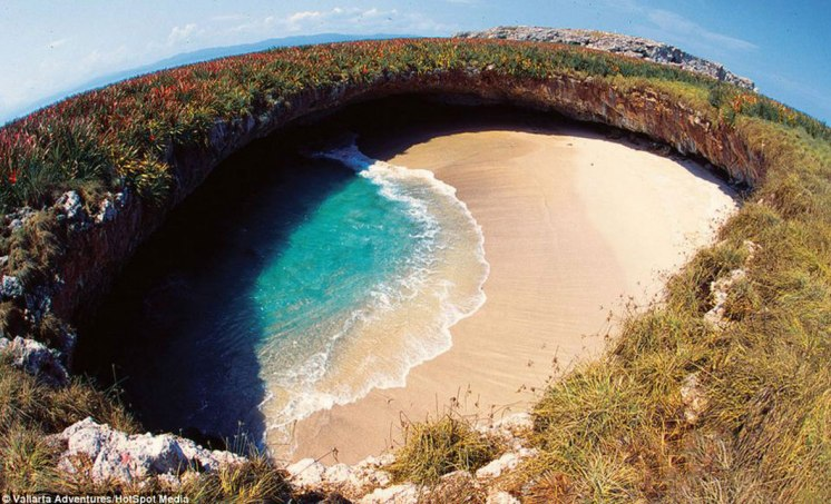 marieta-islands-hidden-beach