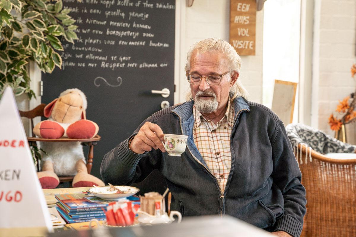 koffie drinken klant ruilwinkel koffiezaak Zierikzee fotografie