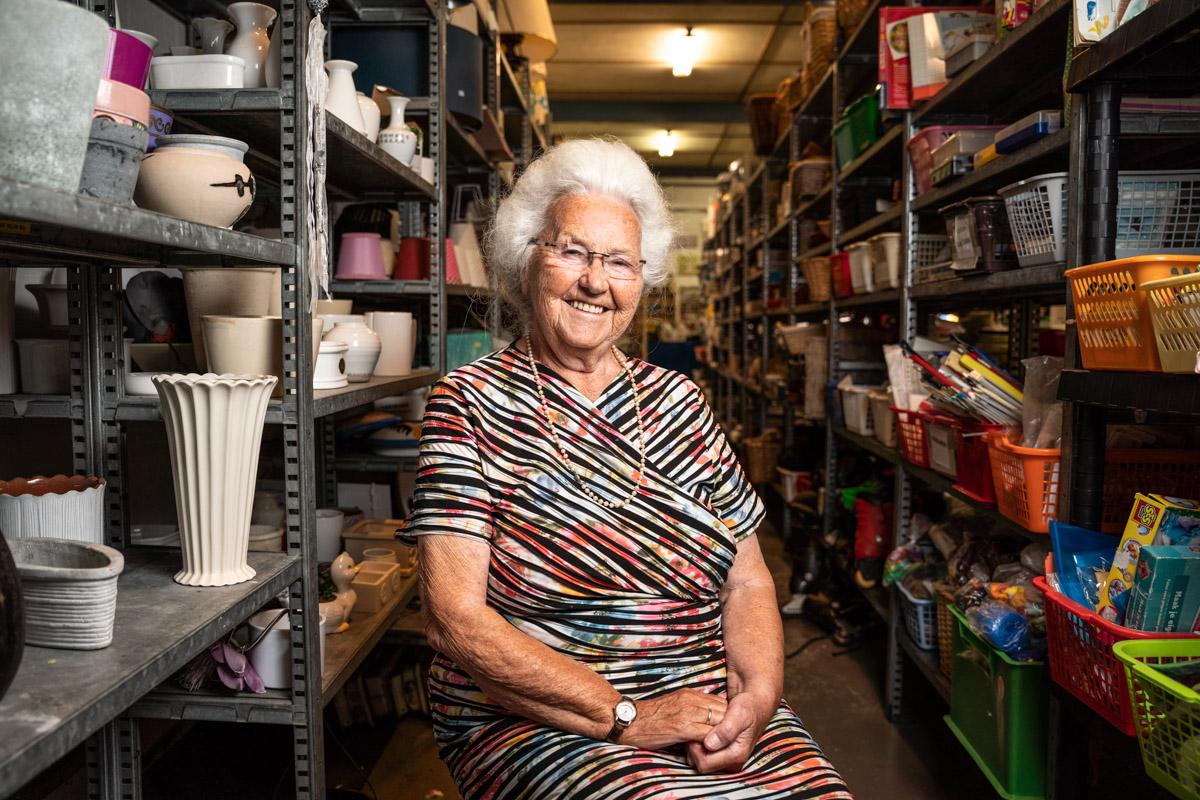 oudere dame winkel portret ruilwinkel goes Zierikzee fotografie