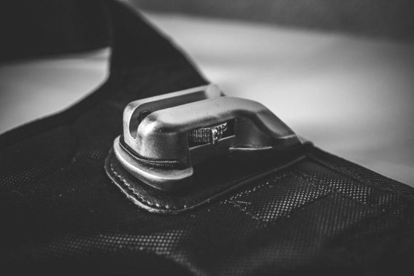 Sicherungssystem für die Kamera an der Trageauflage
