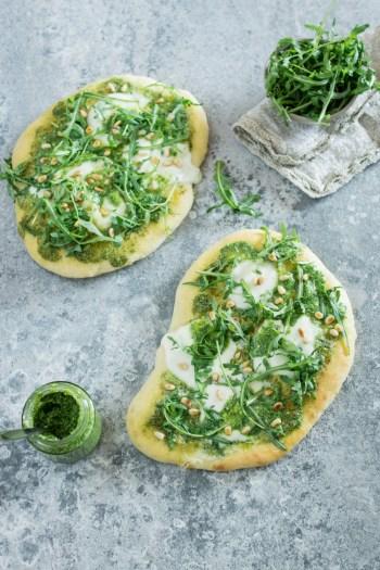 Einfaches Rezept: Focaccia mit Rucola und Mozzarella