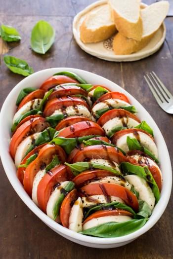 Caprese-Salat: Partyfood für's kalte Buffet | Schnelles und einfaches Rezept