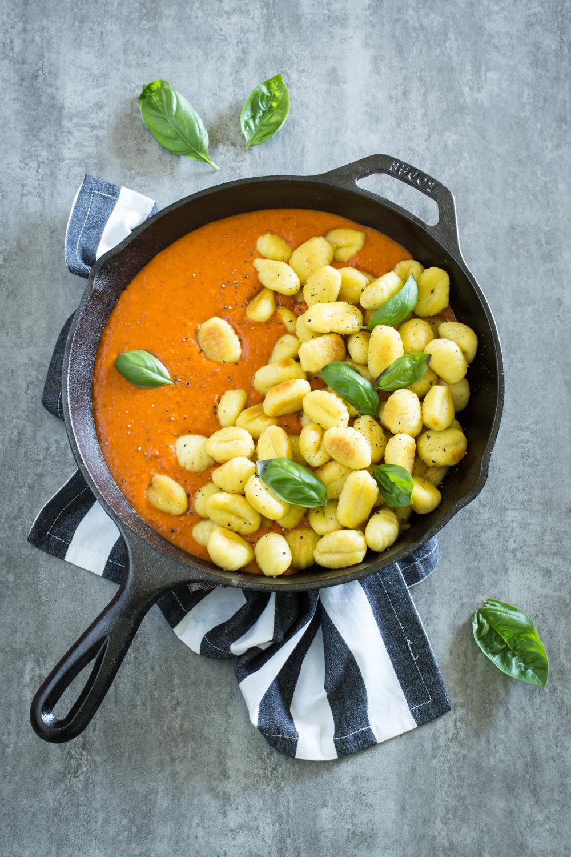 Gnocchi mit veganer Paprikasauce | Einfaches Rezept
