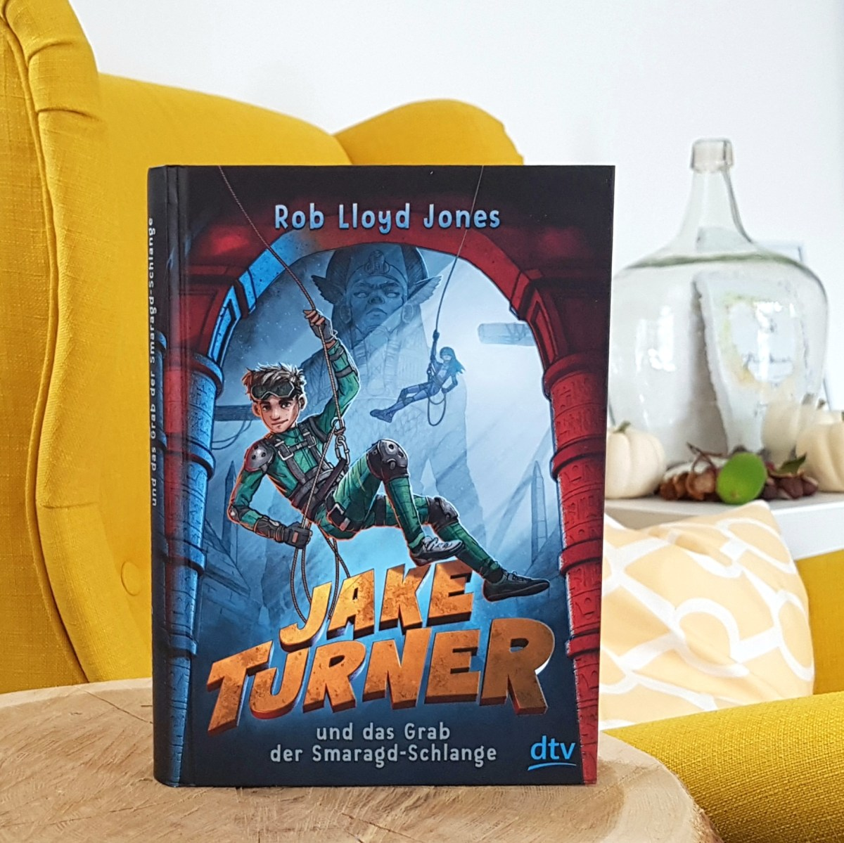 Spy Kids meets Indiana Jones - Jake Turner und das Grab der Smaragdschlange von Rob Lloyd Jones (Rezension)