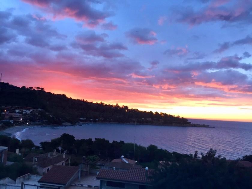 Sonnenuntergang auf der Terrasse Arbatax