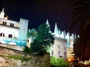 Palma de Mallorca bei Nacht
