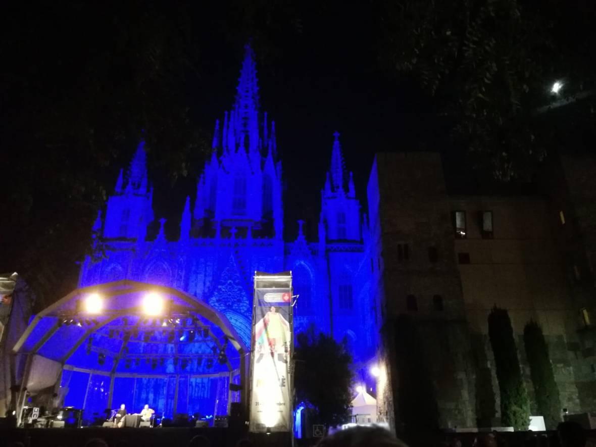 Bühne vor der Kathedrale La Mercé Barcelona