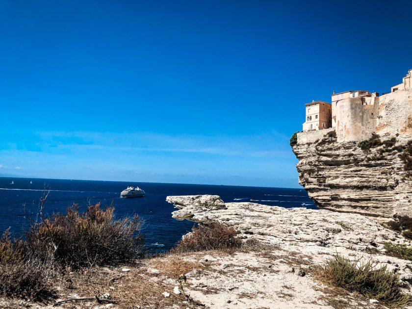 Bonifacio im Süden der Insel